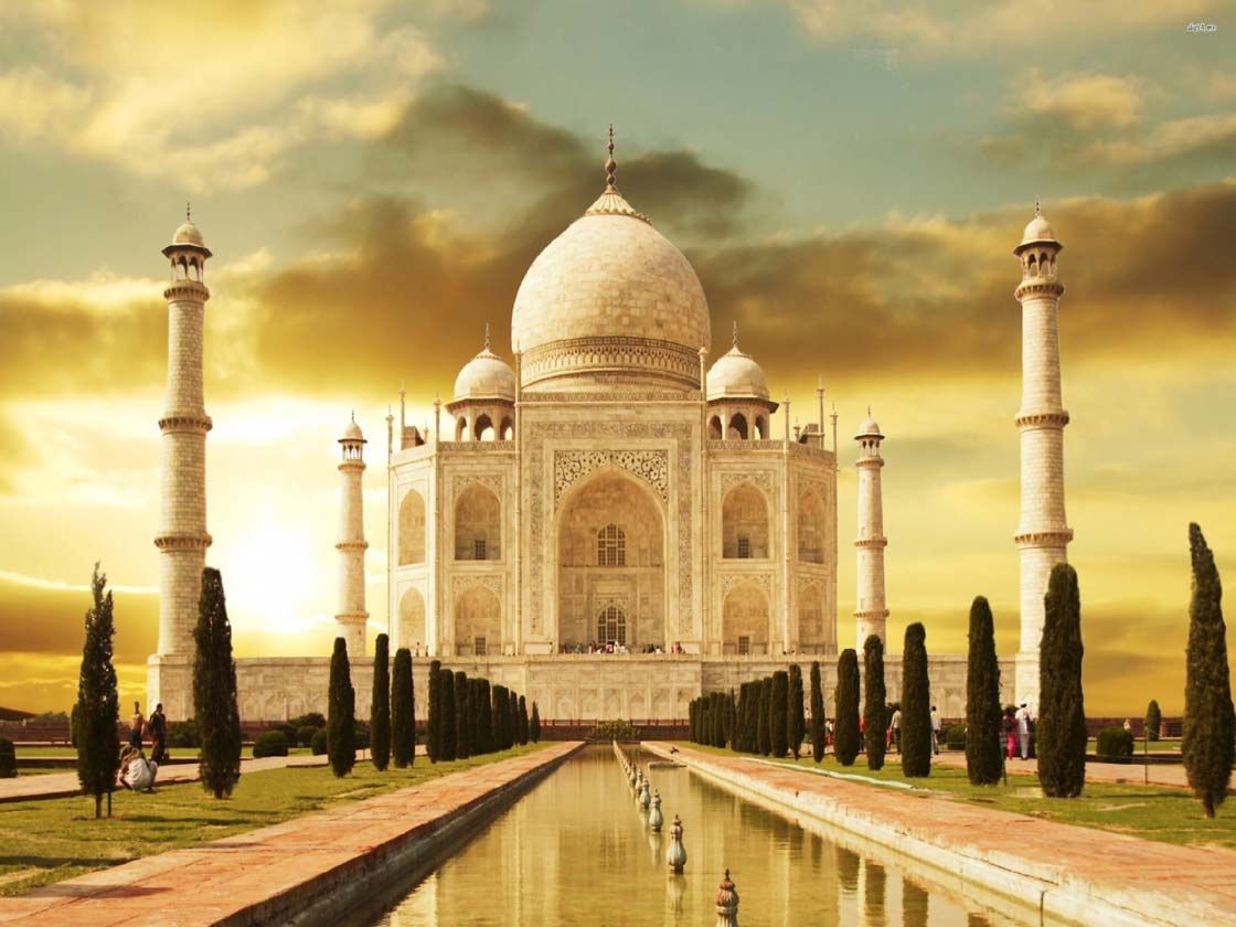 Taj Tour